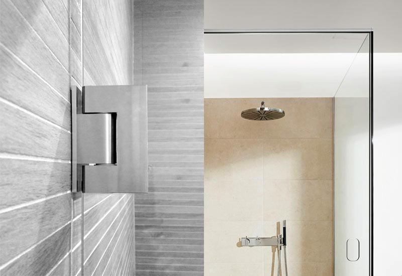 Dusjvegger i glass og funksjonelle dusjdører